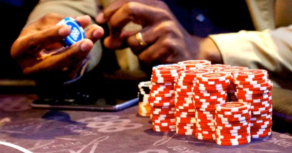 Omaha poker tips